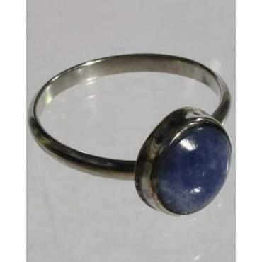 Anneau avec pierre lapis-lazuli