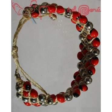 Bracelet bi colore en graines